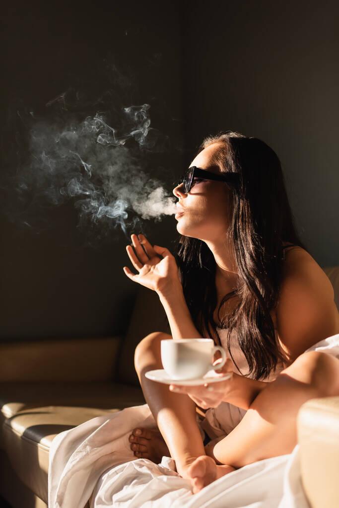 Kaffee trinken nackt Radisson Blu