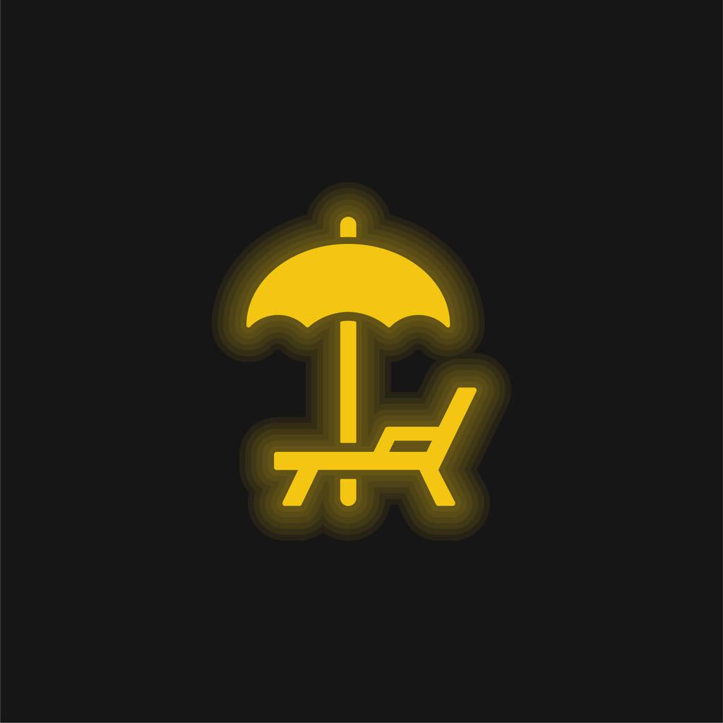 Beach Umbrella And Hammock yellow glowing neon icon