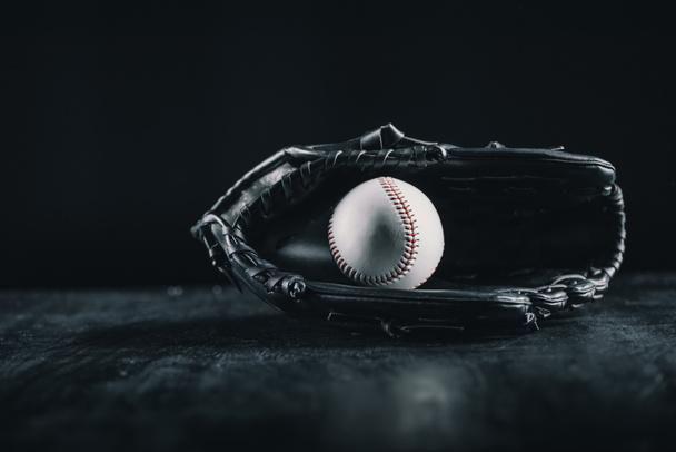 Baseball glove and ball  - Photo, Image