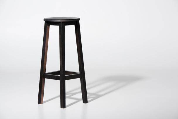 класичний чорний табурет  - Фото, зображення