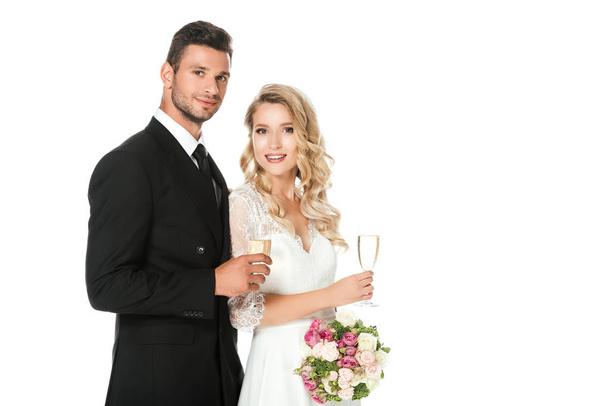 látszó fehér házas)