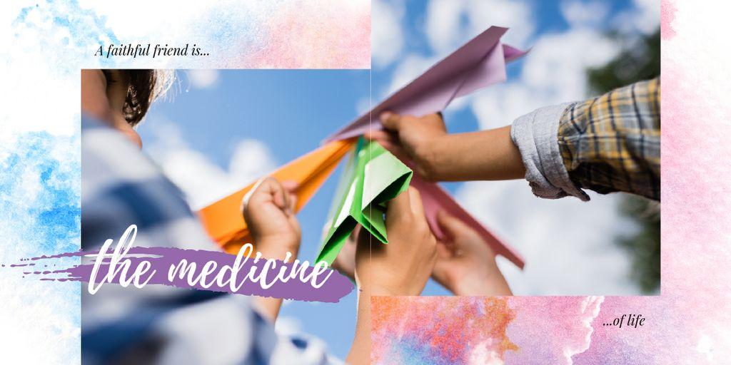 People holding paper planes — Maak een ontwerp