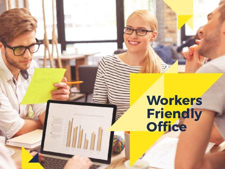 Plantilla de diseño de Businesspeople working in Office Presentation