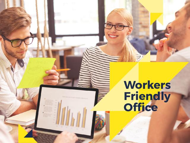 Plantilla de diseño de Businesspeople working in Office Presentation