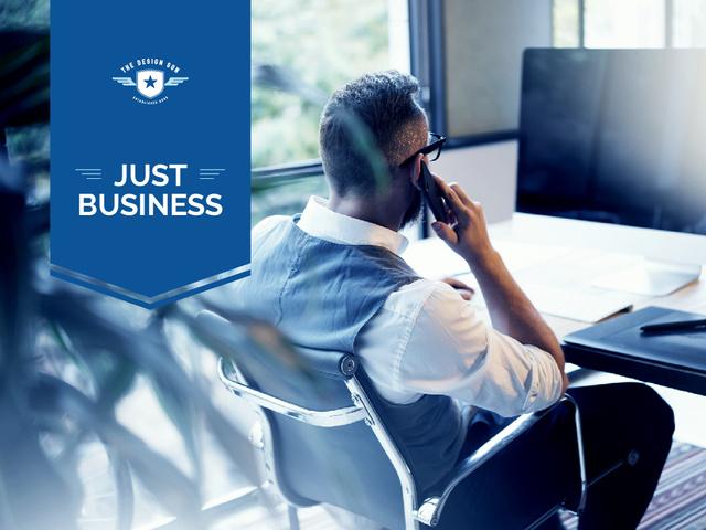 Szablon projektu Business Man on workplace Presentation