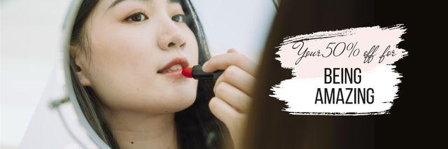 Beauty Sale with Woman applying Lipstick Email header Šablona návrhu