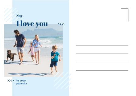Plantilla de diseño de Parents with kids having fun at seacoast Postcard