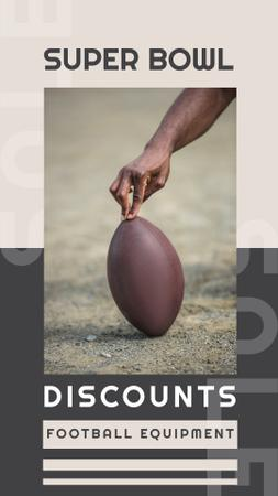 Super Bowl Match Announcement Man with Rugby Ball Instagram Story Modelo de Design