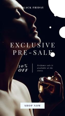Black Friday Offer with Woman applying perfume Instagram Story Modelo de Design