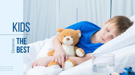 Ontwerpsjabloon van Presentation Wide van Child with teddy bear in hospital