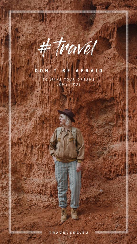 Girl traveler in Canyon Area — Modelo de projeto