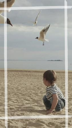 Little Kid at the Beach TikTok Video Tasarım Şablonu