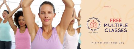 Template di design Women practicing Yoga Facebook Video cover