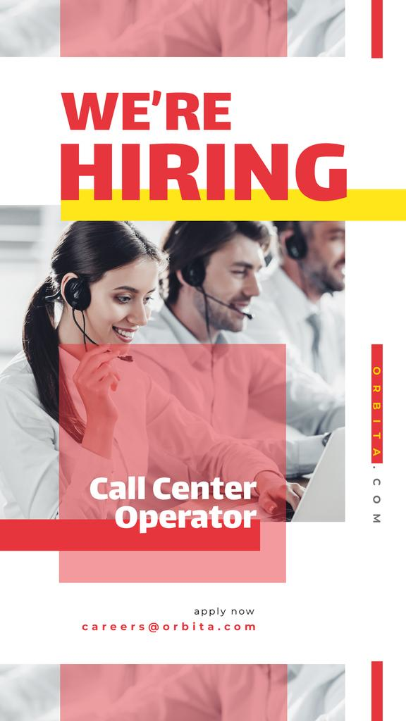People working at call center — Crea un design