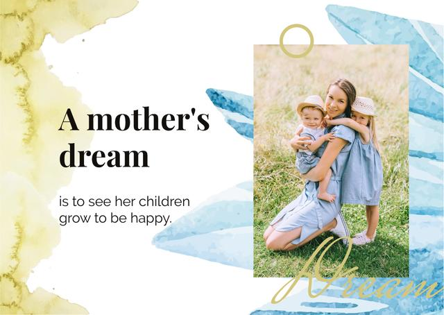 Smiling girls with their mother Postcard Modelo de Design