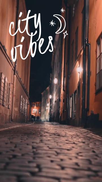 Modèle de visuel Old street view at night - TikTok Video
