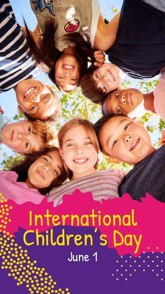 Happy little kids in circle — Create a Design