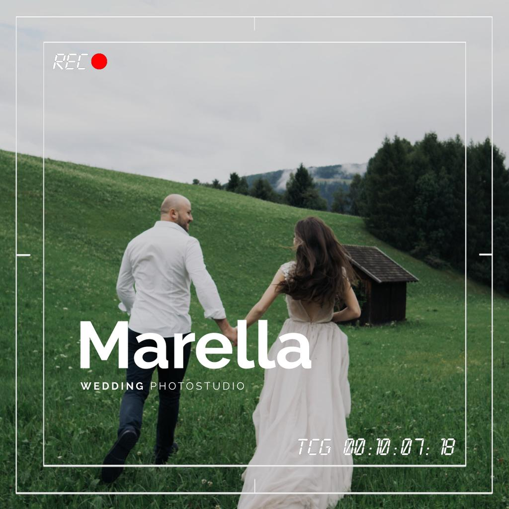 Wedding Shooting with Viewfinder Running Happy Couple — Create a Design