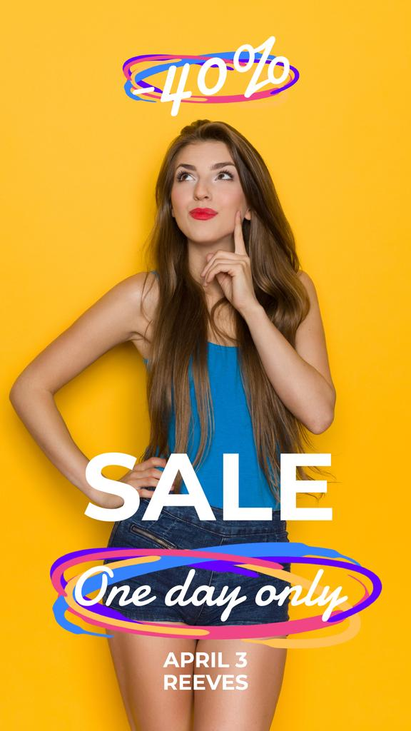 Fashion Sale Young Woman in Blue Clothes — Modelo de projeto