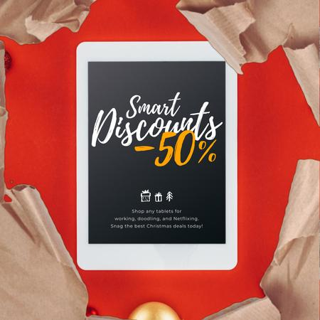 Christmas Discount Digital Tablet in Wrapping Paper Animated Post Modelo de Design