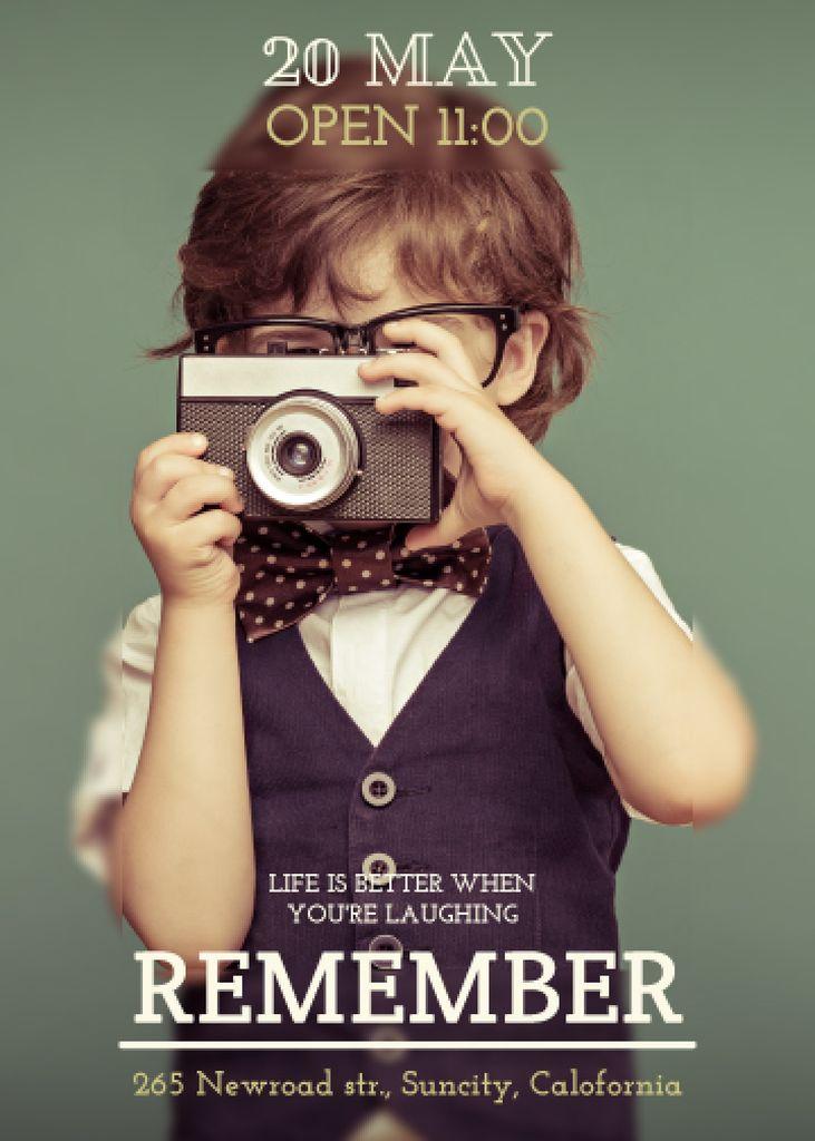 Motivational quote with Child taking Photo - Bir Tasarım Oluşturun
