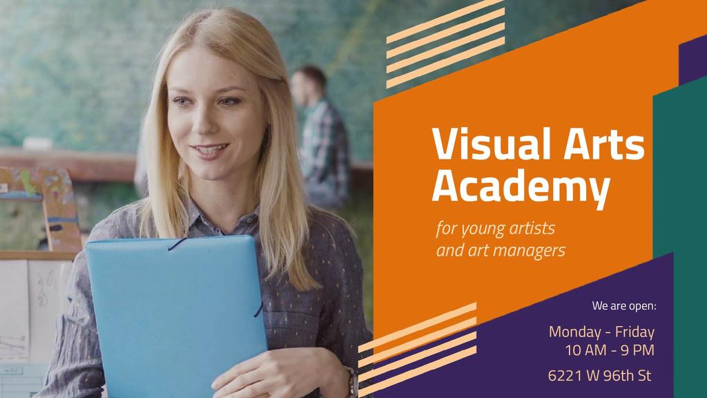 Art Lessons Ad Woman in Class by Easel — Modelo de projeto