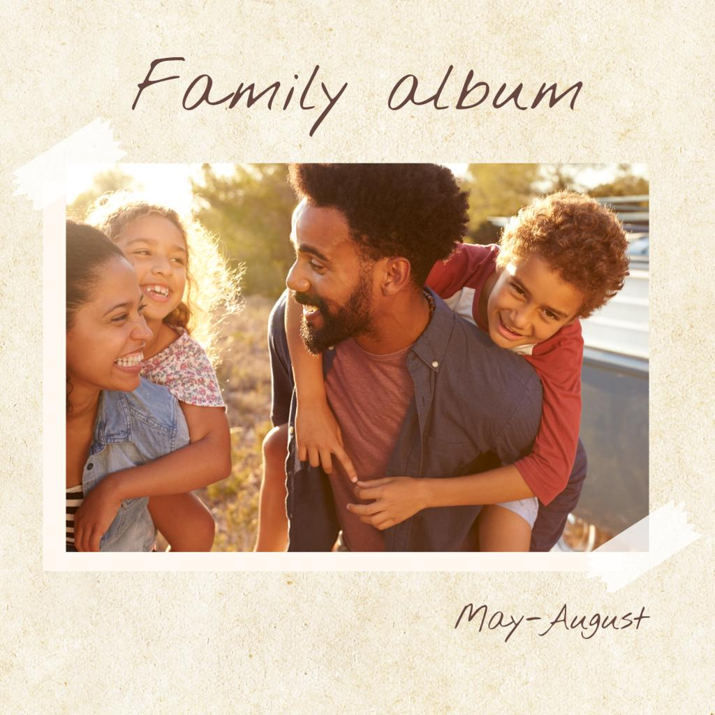 Happy Family at picnic — Créer un visuel