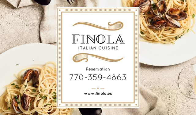 Plantilla de diseño de Italian Restaurant with Seafood Pasta Dish Business card