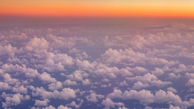 Plantilla de diseño de Flying over Clouds in Sky Zoom Background