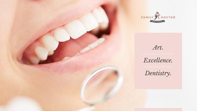 Ontwerpsjabloon van Presentation Wide van Woman at dentist check-up