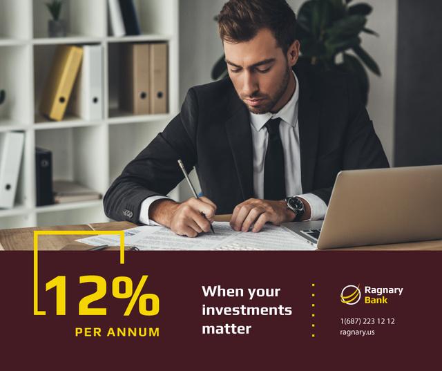 Banking Services Ad Businessman working by Laptop Facebook Tasarım Şablonu