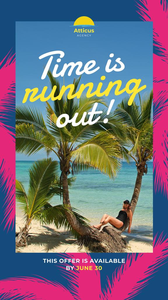 Modèle de visuel Tropical Vacation Offer with Woman at the Beach - Instagram Story