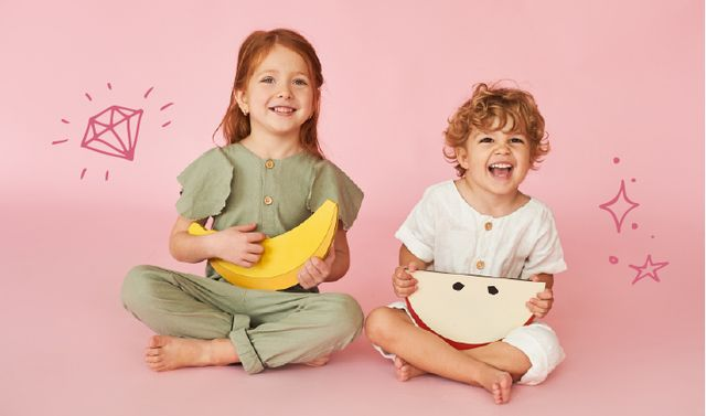 Happy Kids for clothes store ad Business card Modelo de Design