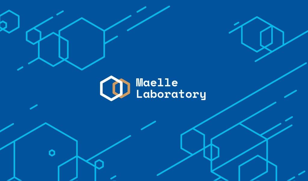 Science Laboratory Ad with Molecule Icon in Blue — Crear un diseño