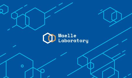 Science Laboratory Ad with Molecule Icon in Blue Business card Modelo de Design