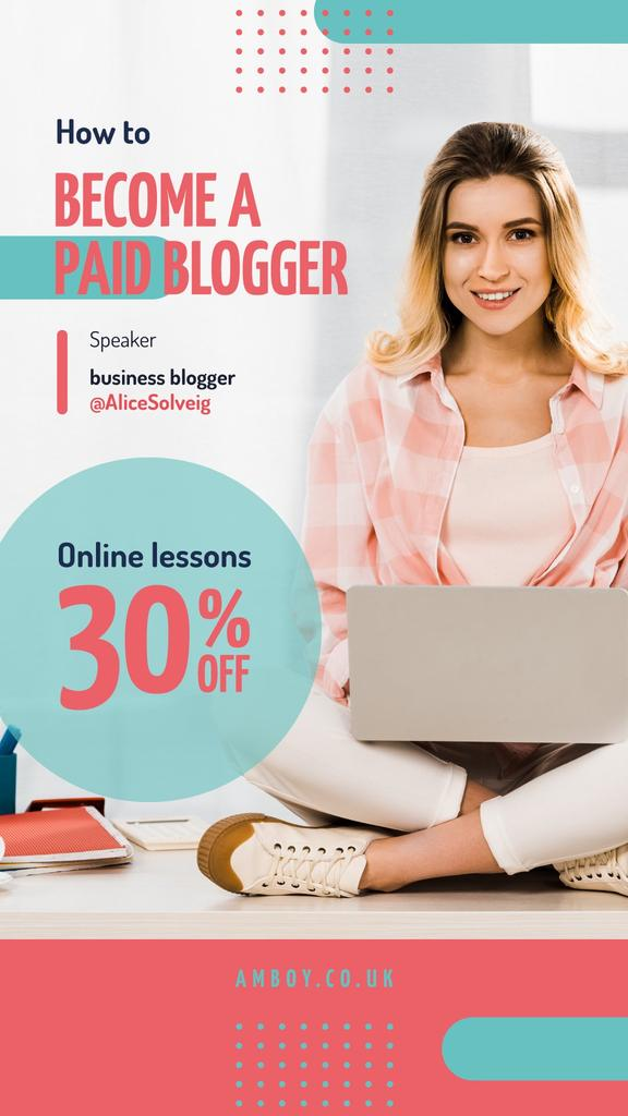 Blogging Event Invitation Woman Typing on Laptop — Créer un visuel