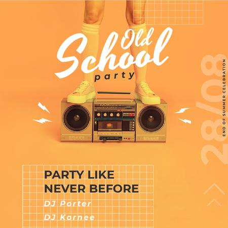 Old School Party Invitation with Man Standing on Boombox Animated Post Modelo de Design
