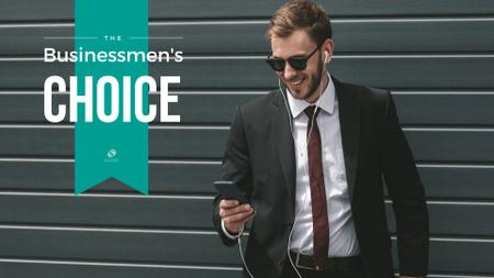 Businessman in Earphones Presentation Wide Modelo de Design