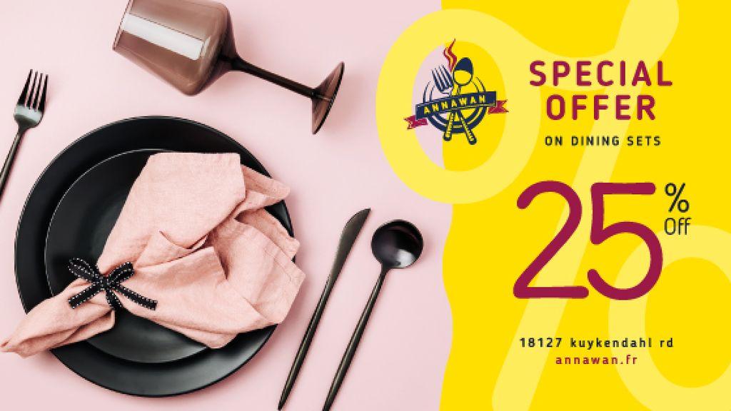 Dinnerware Sale Table Setting in Pink | Blog Image Template — Créer un visuel