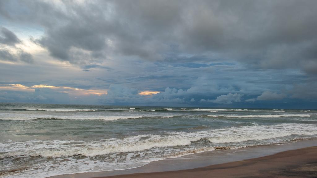 Beautiful landscape of thunderstorm Ocean — ein Design erstellen