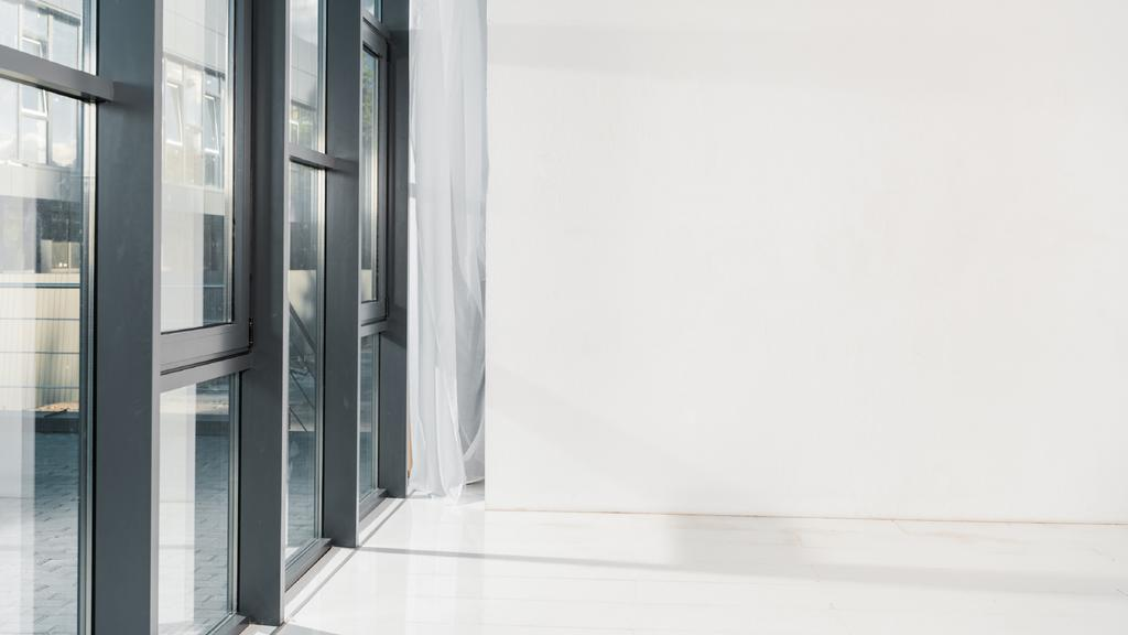 Empty room with white walls — Maak een ontwerp