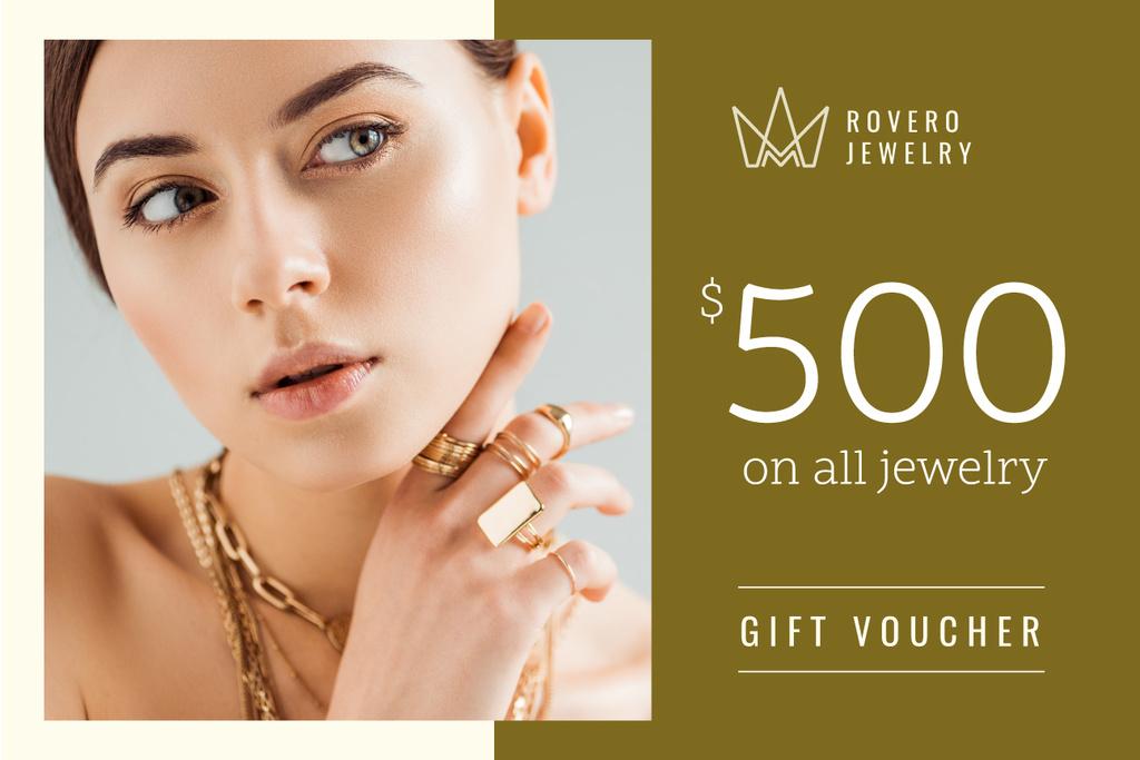 Plantilla de diseño de Jewelry Offer with Woman in Golden Rings Gift Certificate