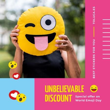 Modèle de visuel World Emoji Day Offer with Girl Holding Funny Face - Animated Post