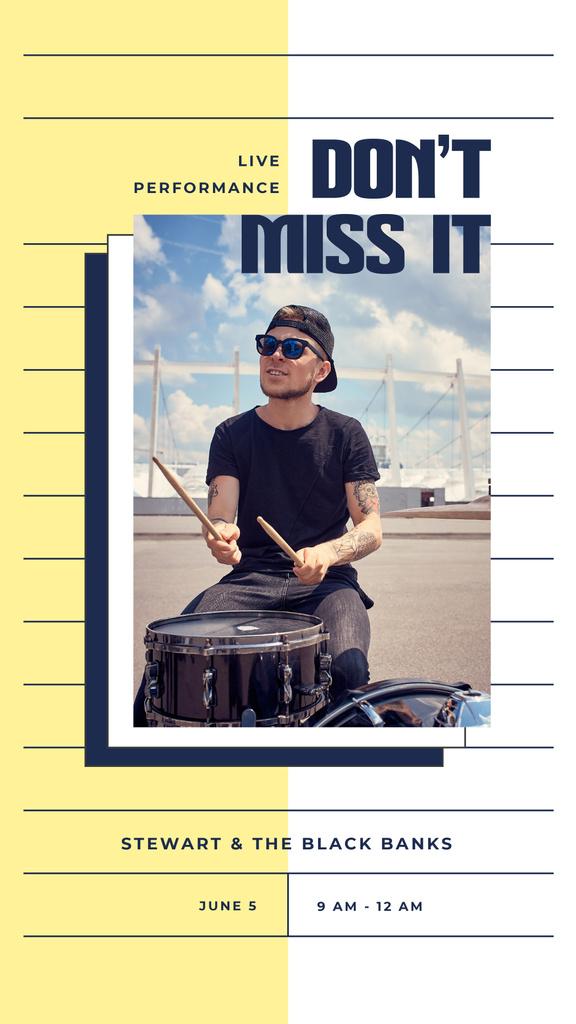 Man playing drums on street — Modelo de projeto