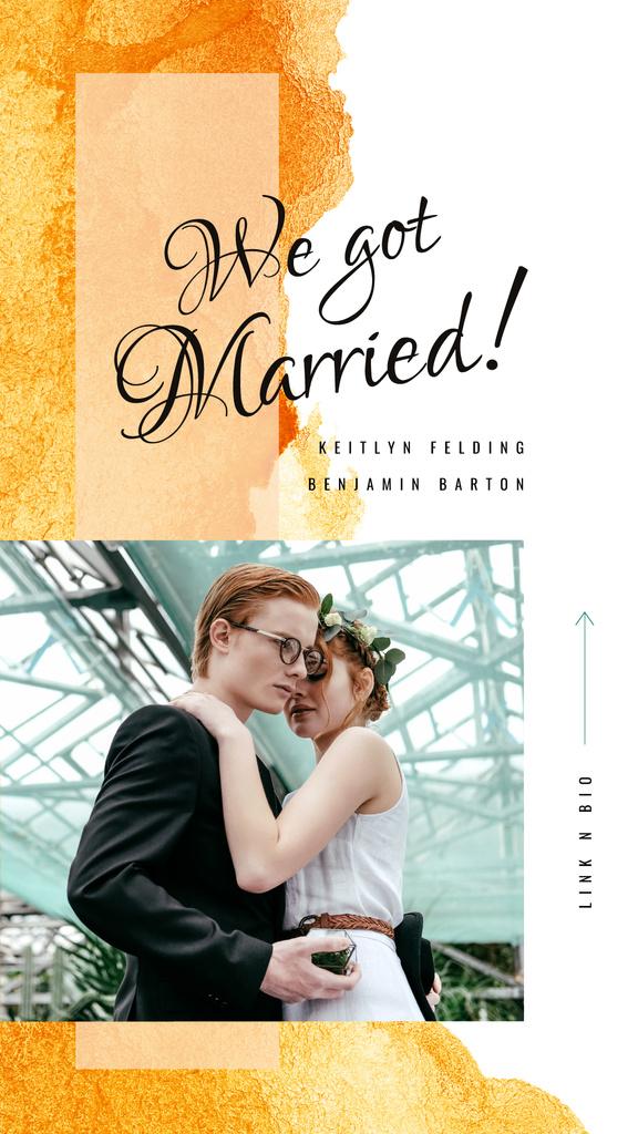 Happy newlyweds on wedding day — Maak een ontwerp