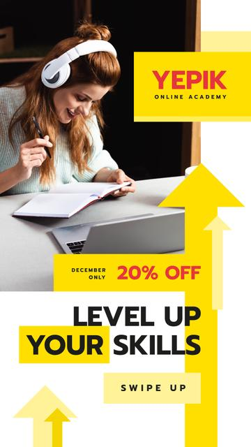 Online Courses Ad Woman Working by Laptop Instagram Story Modelo de Design