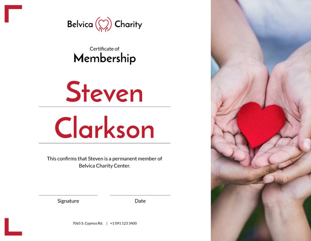 Charity Center Membership gratitude with heart in hands — Maak een ontwerp