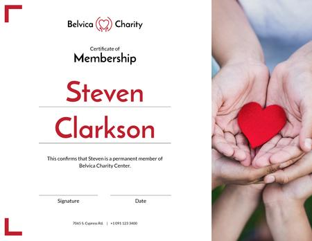 Szablon projektu Charity Center Membership gratitude with heart in hands Certificate