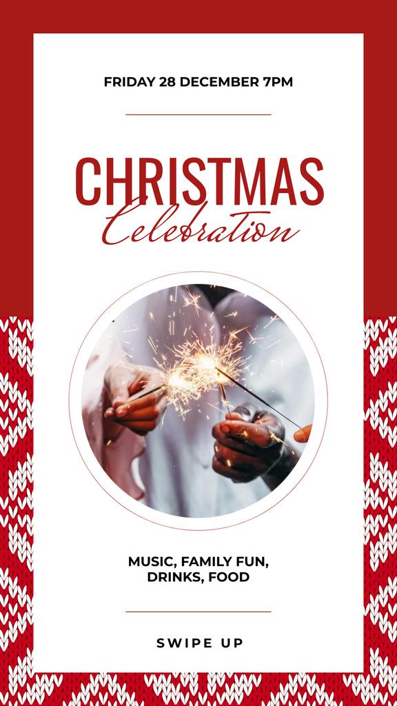 Plantilla de diseño de Christmas Shiny sparklers in hands Instagram Story