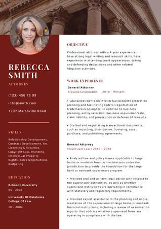 Ontwerpsjabloon van Resume van Professional Attorney skills and experience in red